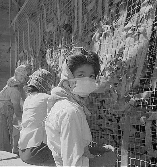 #LetOurVoicesEcho #DortheaLange #Manzanar 1944