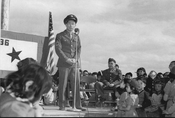 letourvoicesecho-japanesereclocationcamp-kuroki-speaking-at-heart-mountain-war-relocation-center-april-24-1944