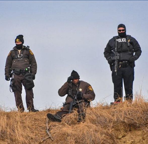 letourvoicesecho-nodapl-militarizedpolice