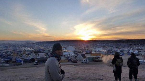 letourvoicesecho-nodapl-standingrock-sunrise