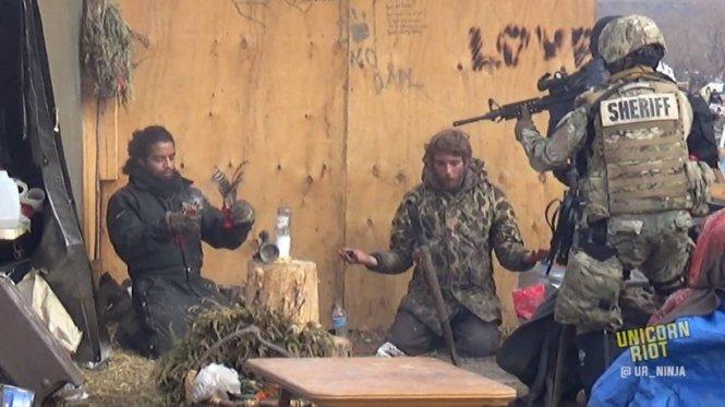 letourvoicesecho-indianholocaust-standingrock-ocetioyate-militarizedpolice-1