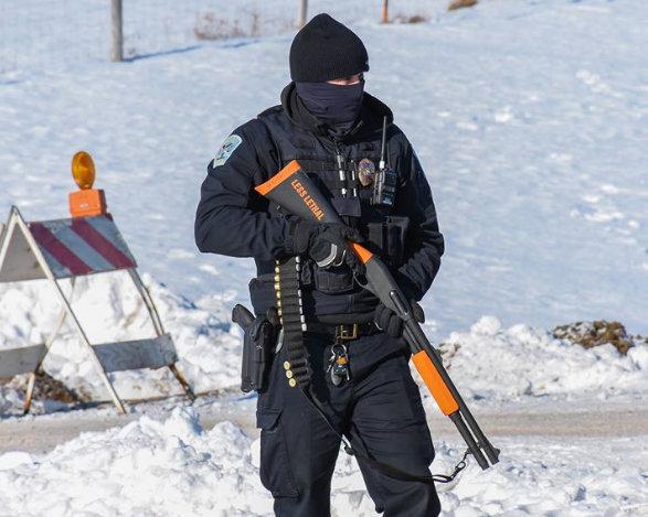letourvoicesecho-nodapl-standingrock-ocetisakowin-militarizedpolice