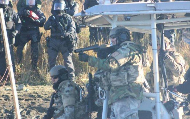 letourvoicesecho-nodapl-standingrock-rubbetbullet-militarizedpolice-3