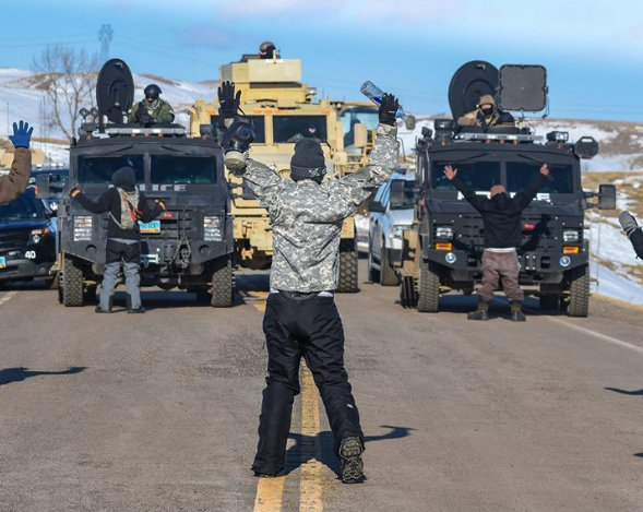 letourvoicesecho-nodapl-standingrock-waterprotectors-militarizedpolice