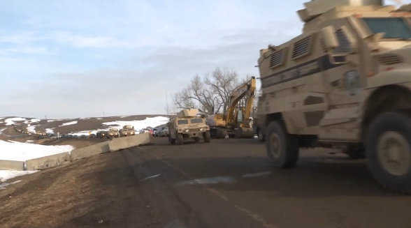 letourvoicesecho-ocetioyate-standingrock-militarizedpolice-unlawfularrests-1