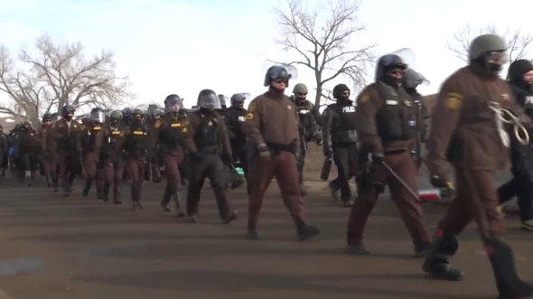 letourvoicesecho-ocetioyate-standingrock-militarizedpolice-unlawfularrests-3